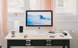 Did you know that you can invoke a wide variety of special views on the Mac simply by tossing your mouse pointer into a corner of the screen? Read on to learn everything you can do with hot corners. | AustinMacWorks.com